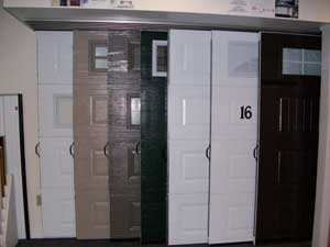 Showroom with a display with many Door